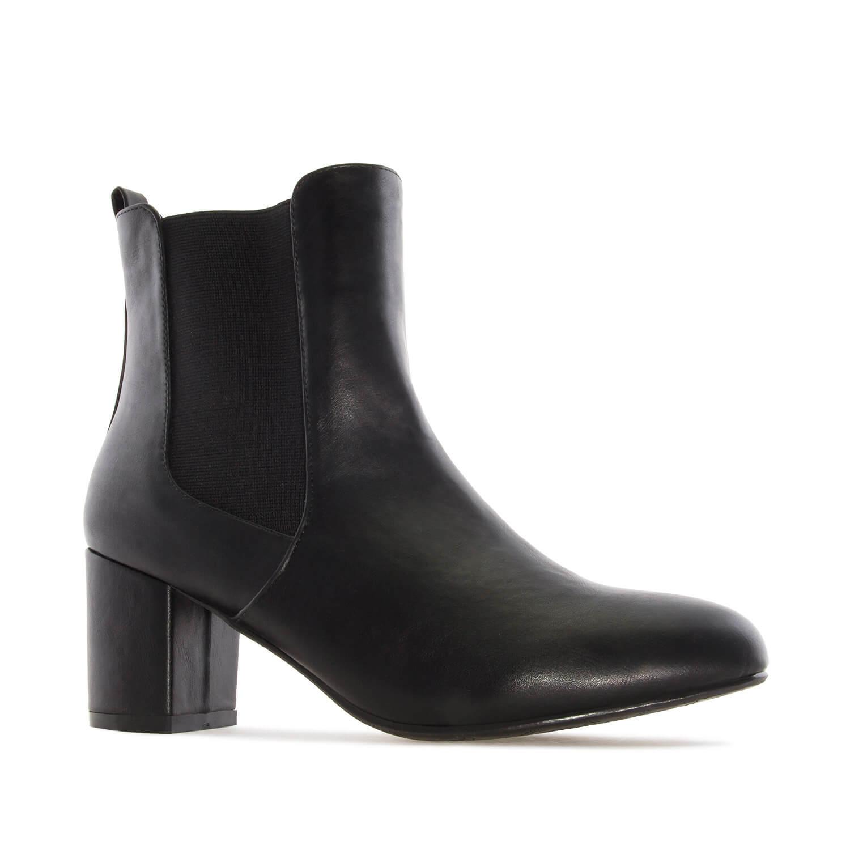 Čizme sa elastičnim trakama, crne