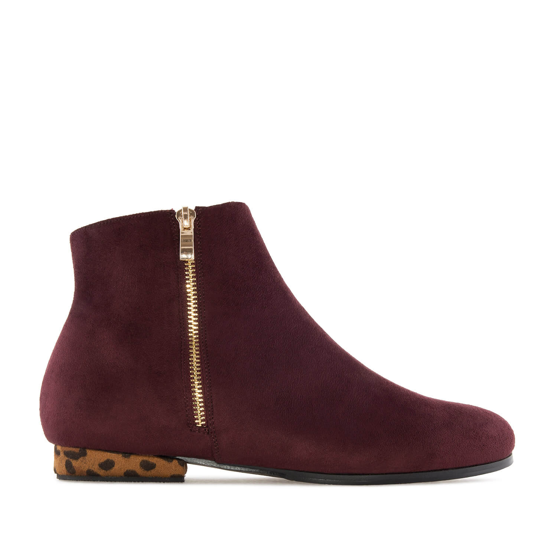 Kotníčková obuv celosemišová. Vínová, leopardí podpatek.