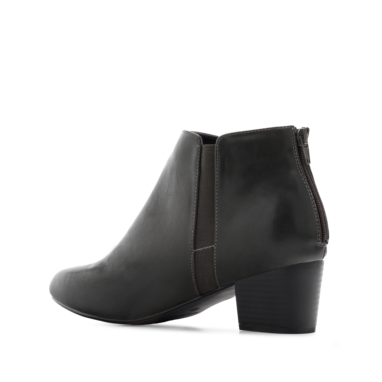 Kotníčková obuv pro širší chodidlo. Černé.