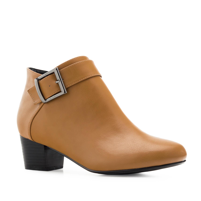 Elegantní obuv pro širší chodidlo. Hnědá.