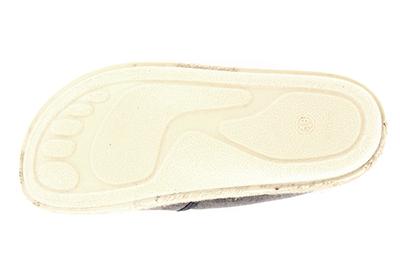 Miticas Zapatillas de Lona Gris y suela de goma y Yute.