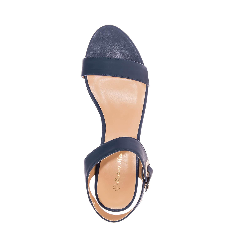 Laivaston siniset sandaalit