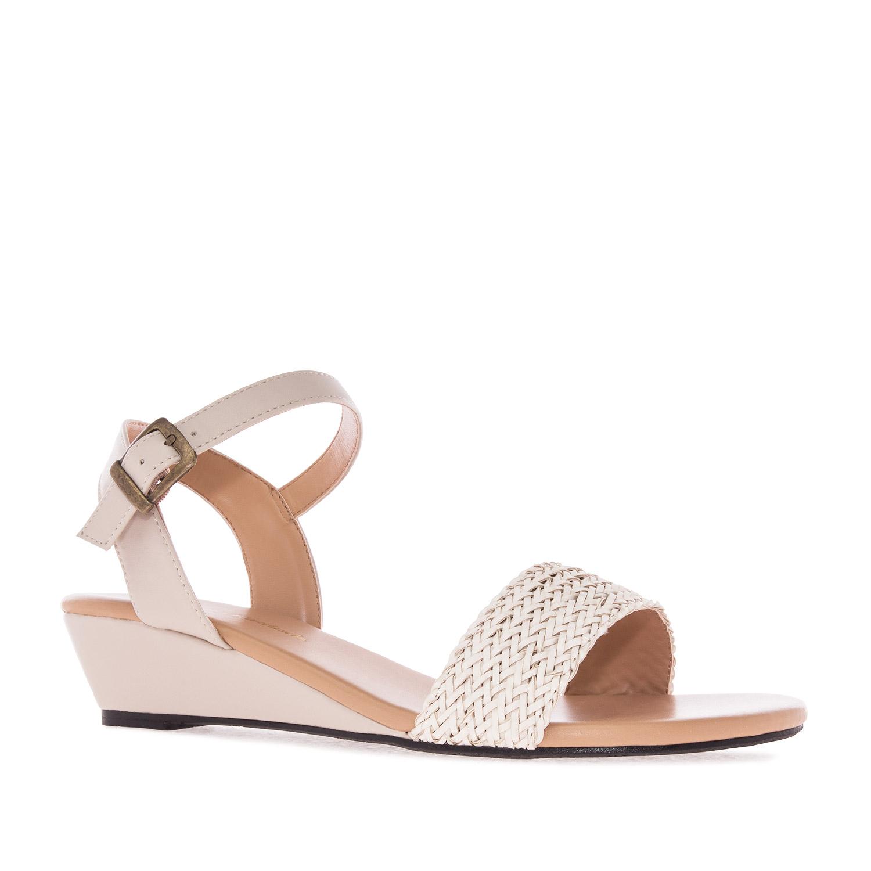 Sandale sa pletenim detaljima, soft bež
