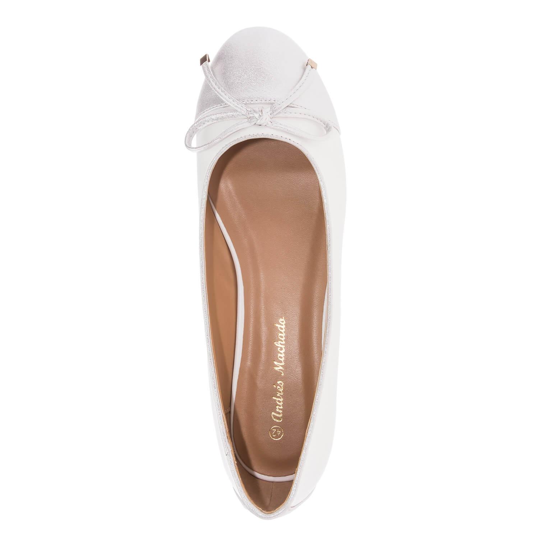 Valkoiset ballerinat