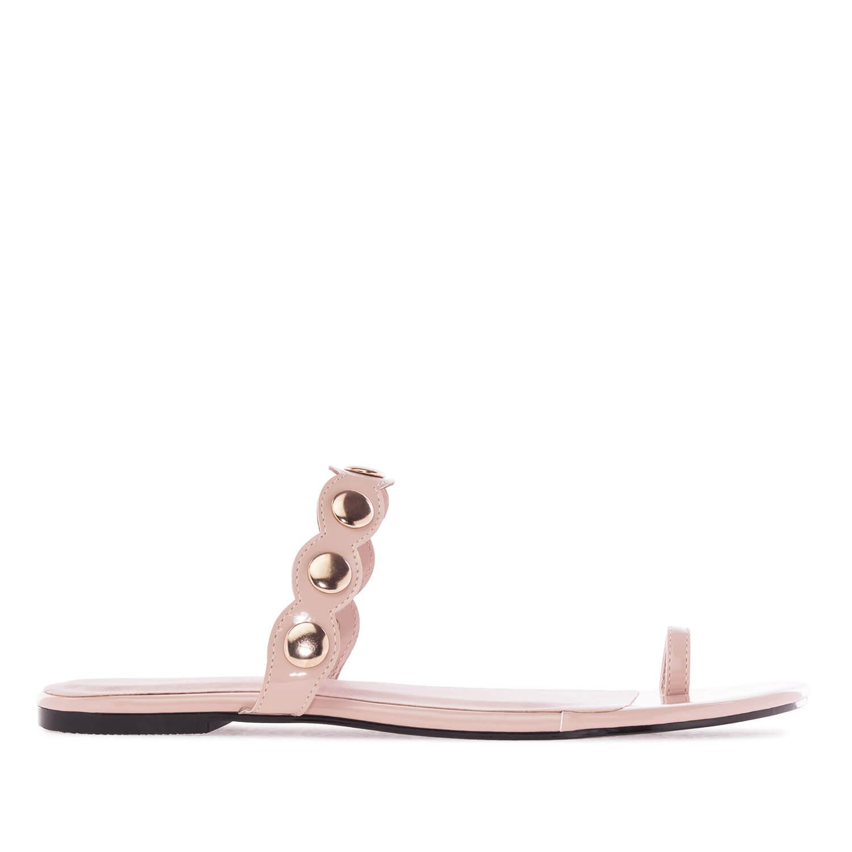 Nude väriset sandaalit