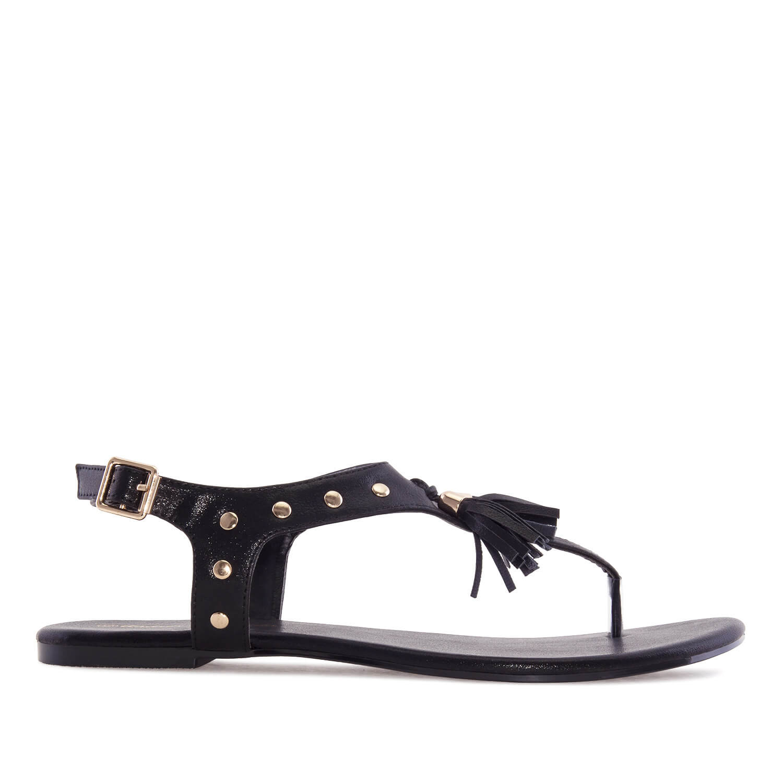 T-bar sandále se střapcem. Černé.