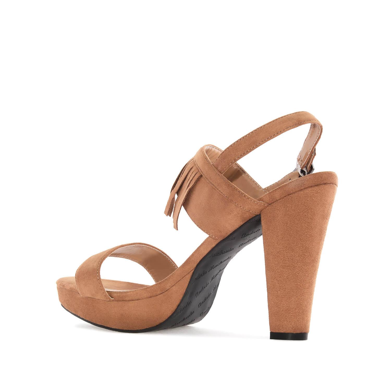 sandalen mit fransen in camel damen bergr ssen damen. Black Bedroom Furniture Sets. Home Design Ideas