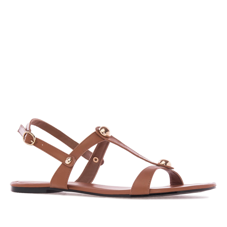 Ravne sandale sa nitnama, braon