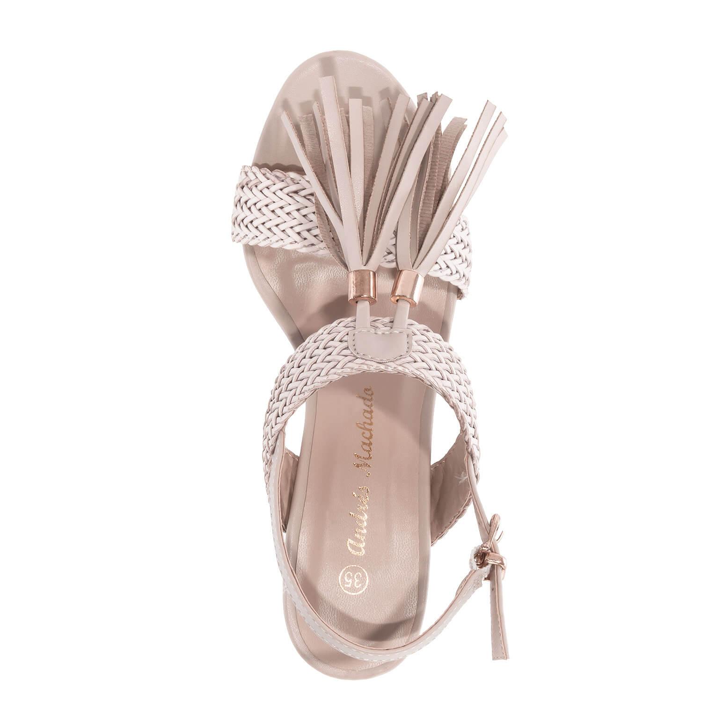 Páskové sandále na širším podpatku. Střapec. Barva béžová.