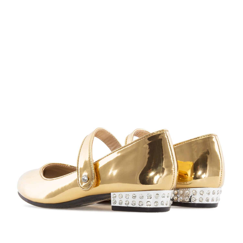 Mary Jane stiilis kuldsest lakknahast kingad.