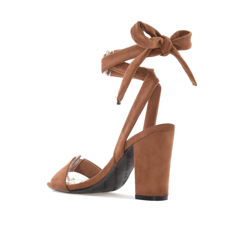 Ruskeat sandaalit