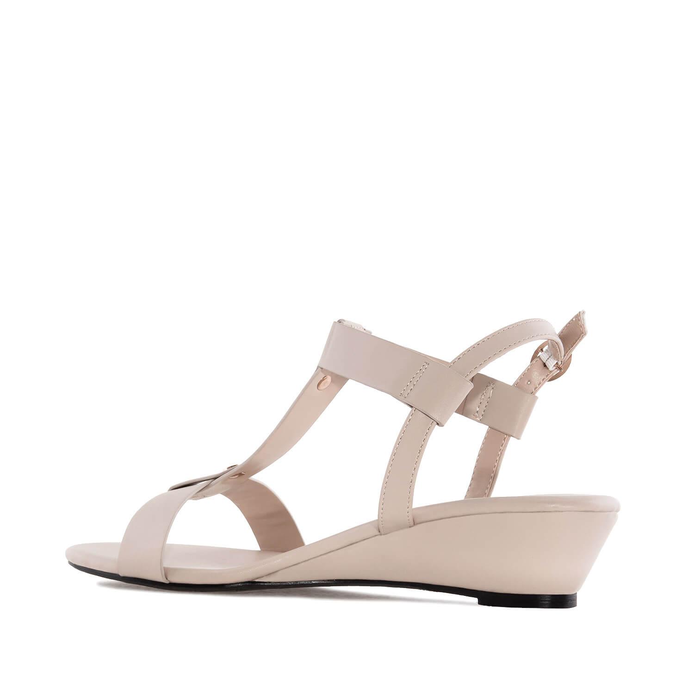 Luonnon valkoiset sandaalit
