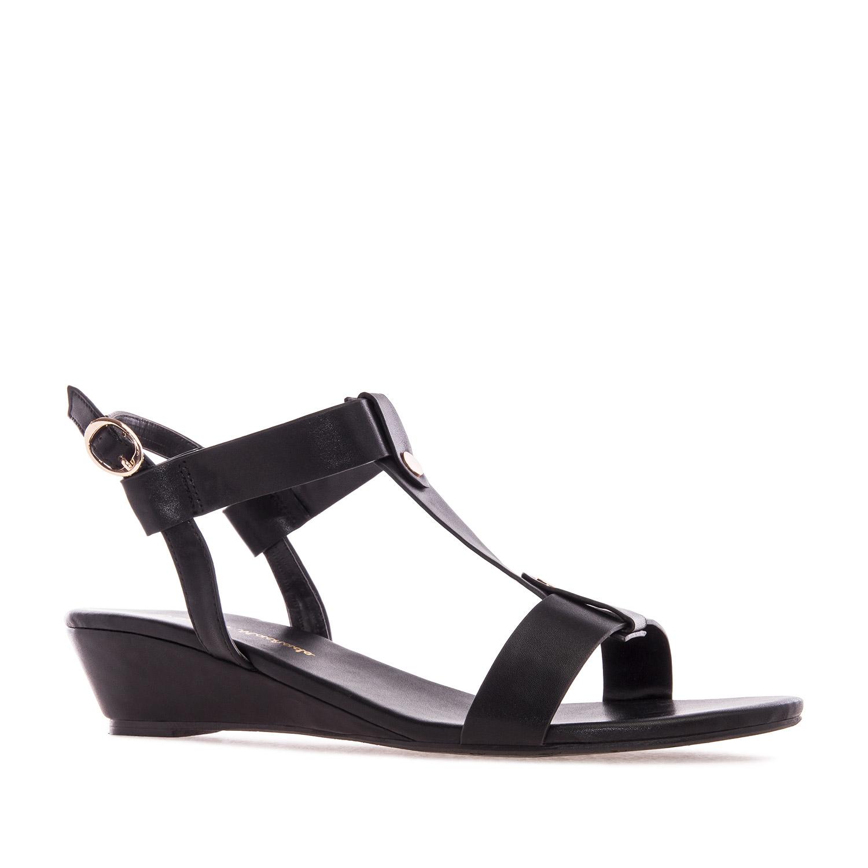 Sandalia T-Bar en Soft de color Negro