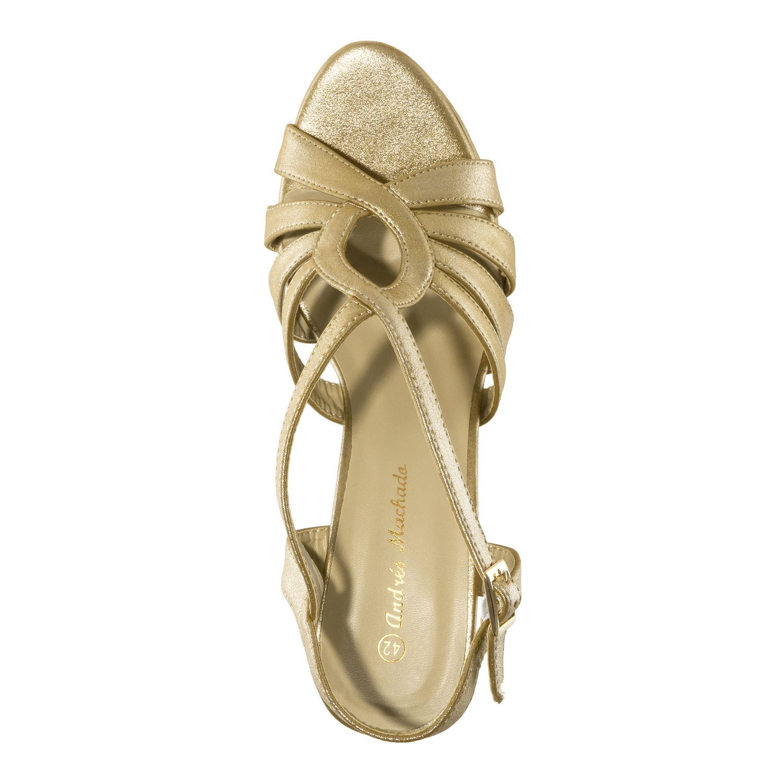 Kullan väriset korokepohja sandaalit.