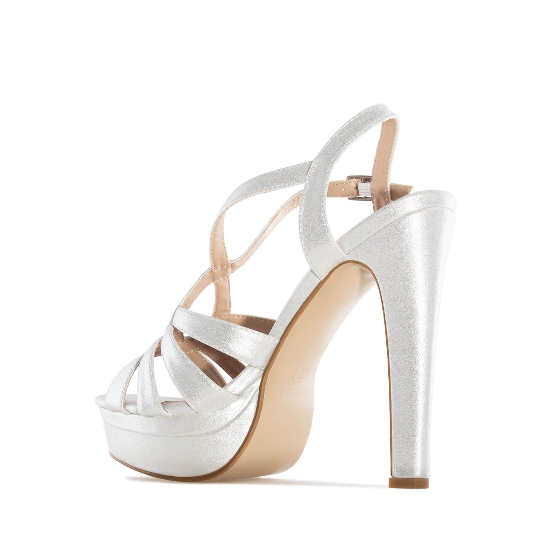 Elegantní páskové sandále. Třpytivá stříbrná.
