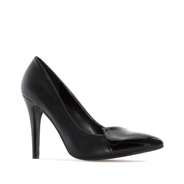 Damenschuh in Schwarz mit Spitze aus Lackleder