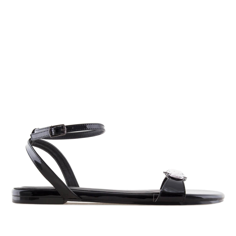Ravne lakovane sandale sa cirkonima, crne