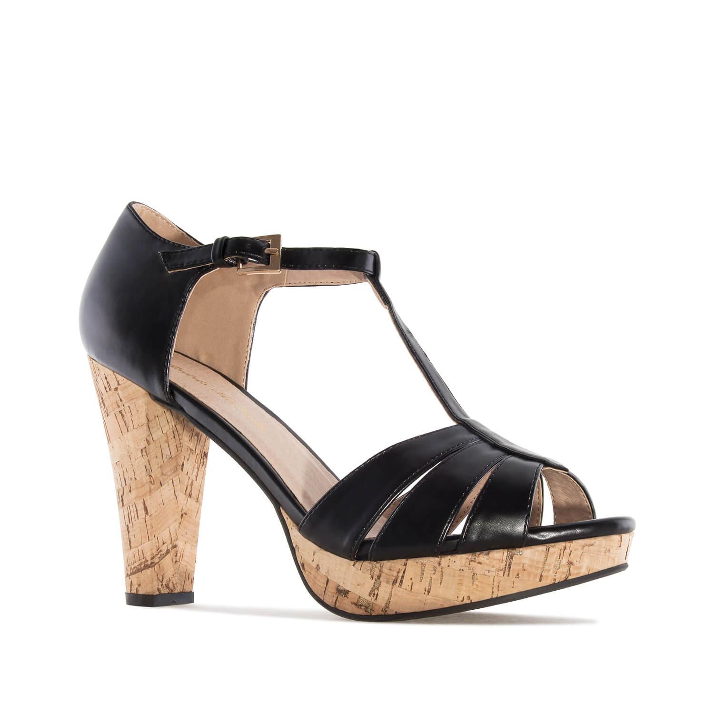 Mustat korekepohja sandaalit.