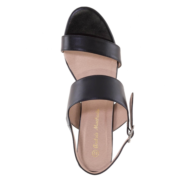 Jednoduché páskové sandále. Černé.