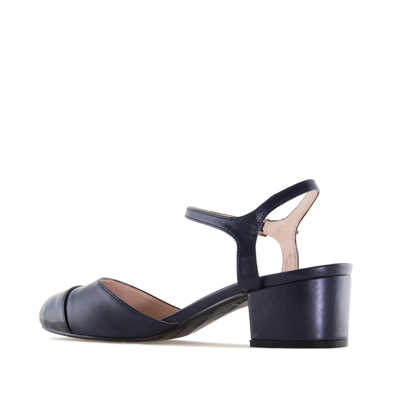 Dámská obuv na podpatku, lesklá špička. Modré.
