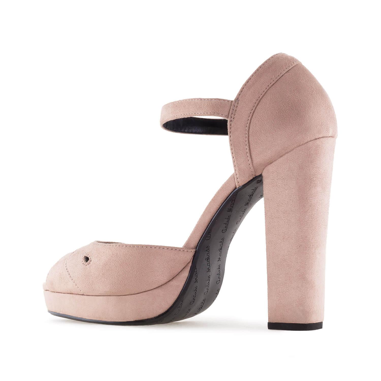 Beiget korokepohja sandaalit.