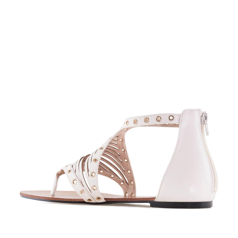 Beiget Roomalais tyyppiset sandaalit.