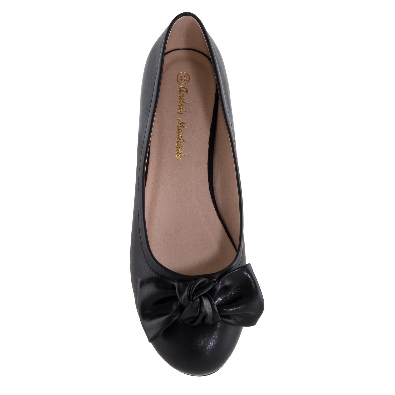 Jednoduché baleríny s velkou mašlí. Černé.