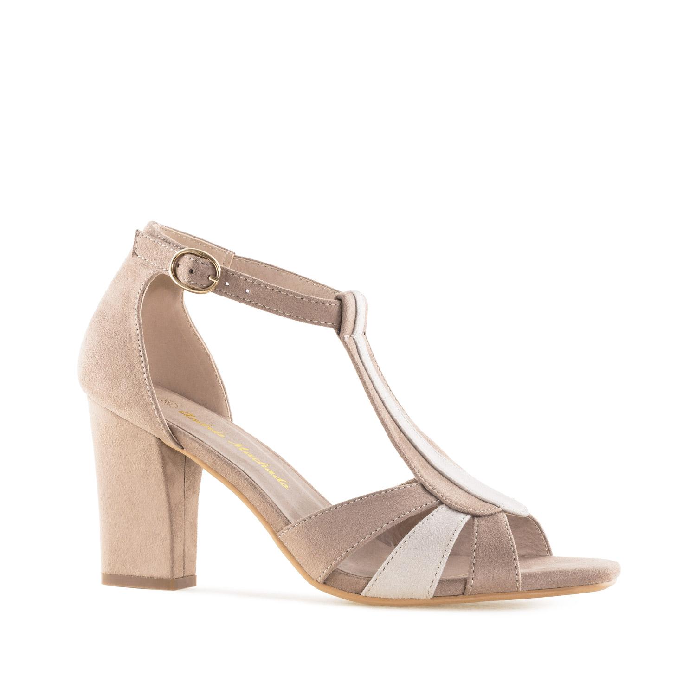 Semišové sandále T-bar na podpatku. Tmavě béžové.