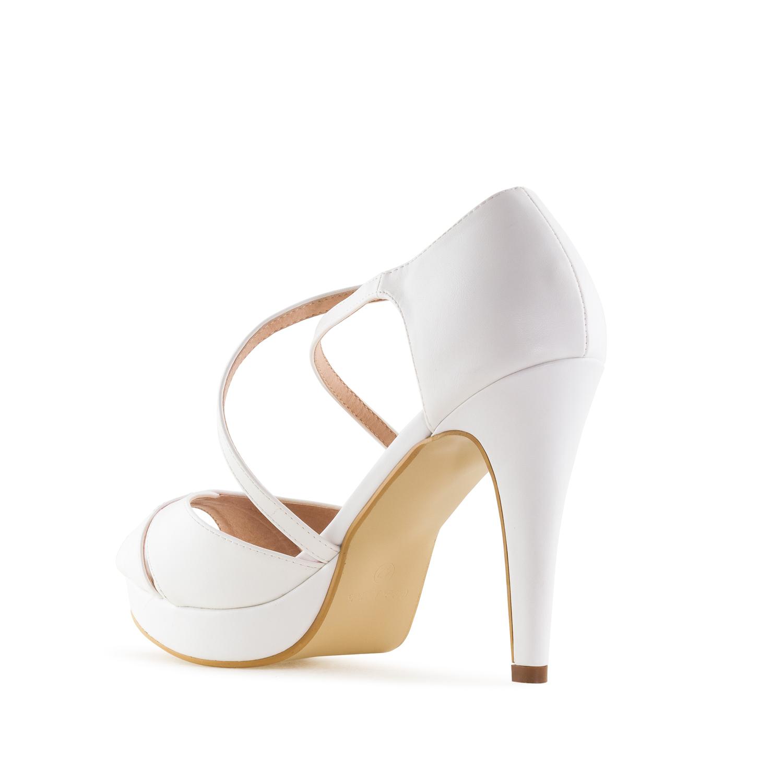 Elegantní páskové sandále. Bílé.