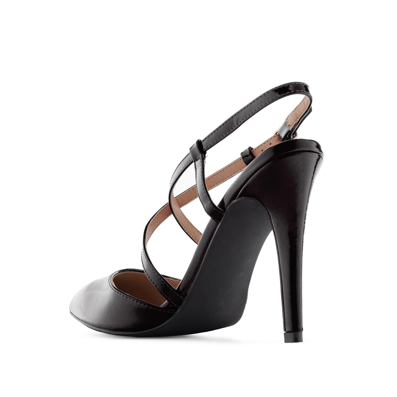 Lakovane sandale sa kaišićima, crne