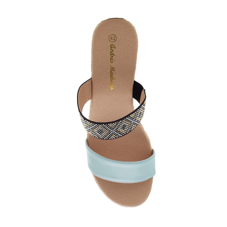 Sandalias en Soft Azul y Cuña de Yute