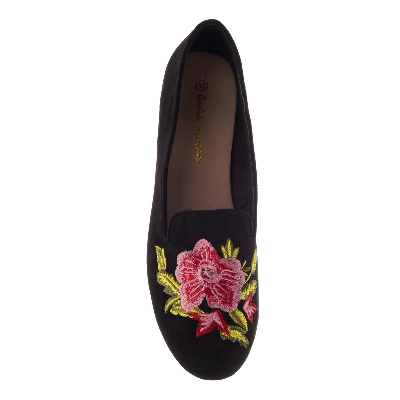 Slipper aus schwarzem Velourleder mit Blumenstickerei