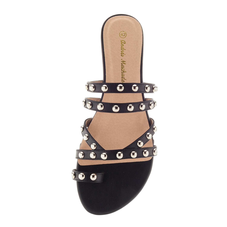 Páskové pantofle s cvočky. Černé.