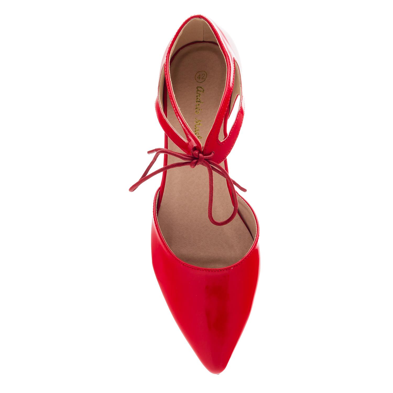 Dámská obuv lesklá, typ baleríny. Červené.