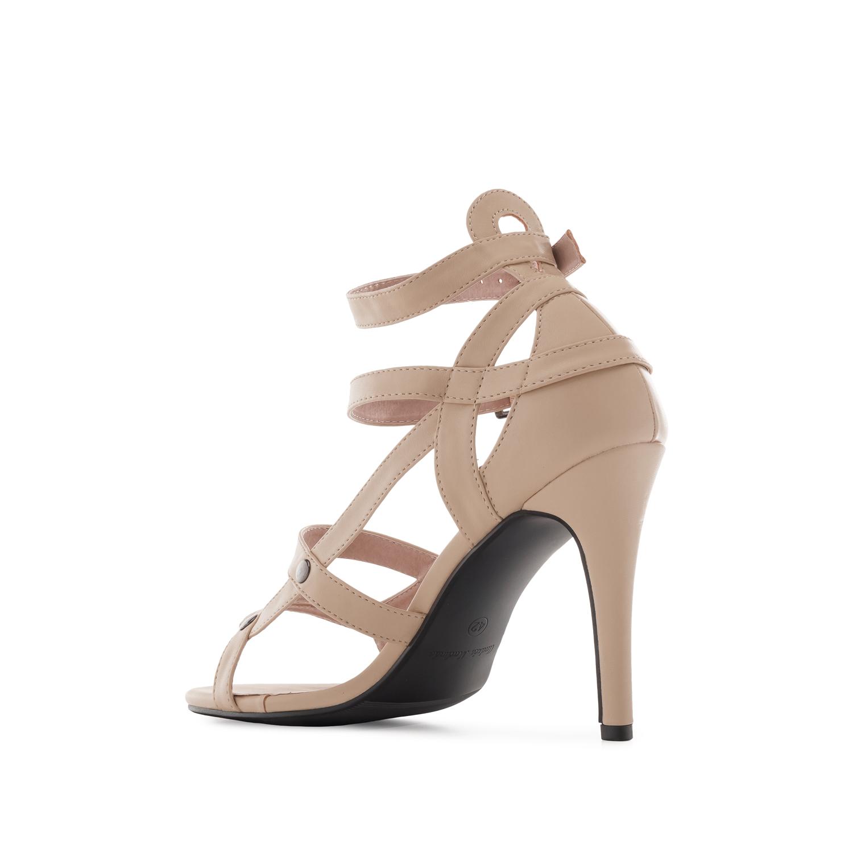 Páskové sandále na vysokém podpatku. Béžové.