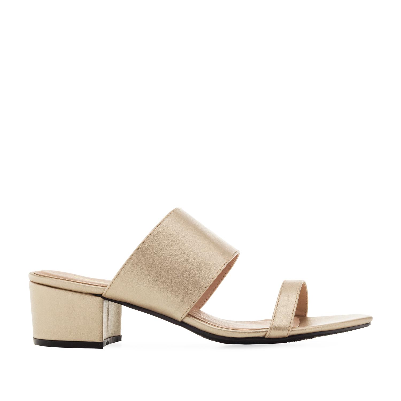 Páskové zlaté sandále