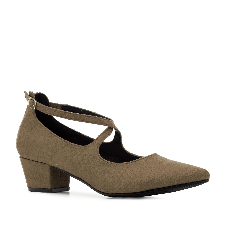 Liiva värvi kingad