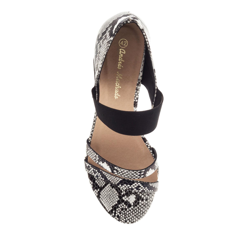 Käärmejäljitelmäinen musta kantakapillinen sandaali