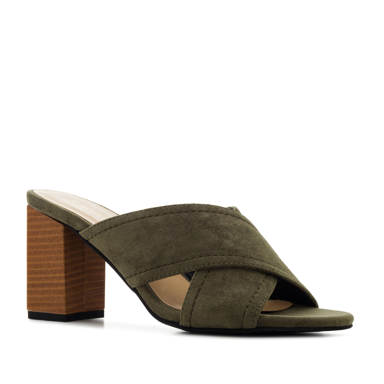 Pantofle styl mules. Khaki semiš.