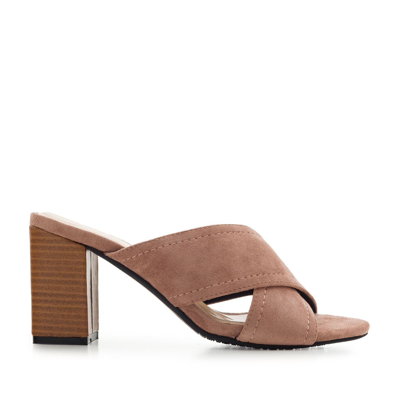 Pantofle styl mules. Pudrový semiš.