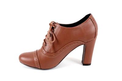 Zapato en Soft Camel Estilo Oxford.