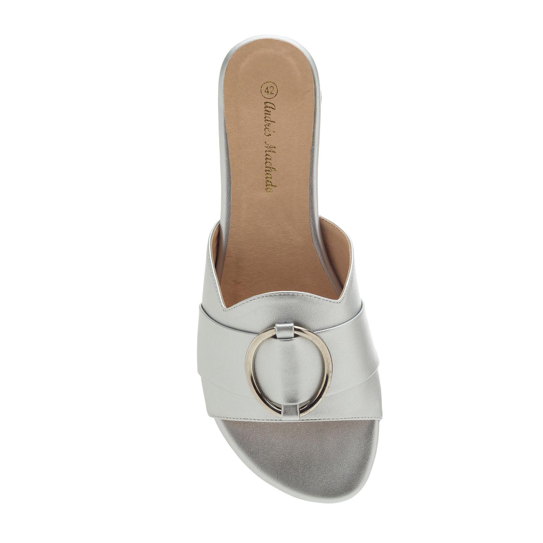 Elegantní pantofle. Stříbrné.
