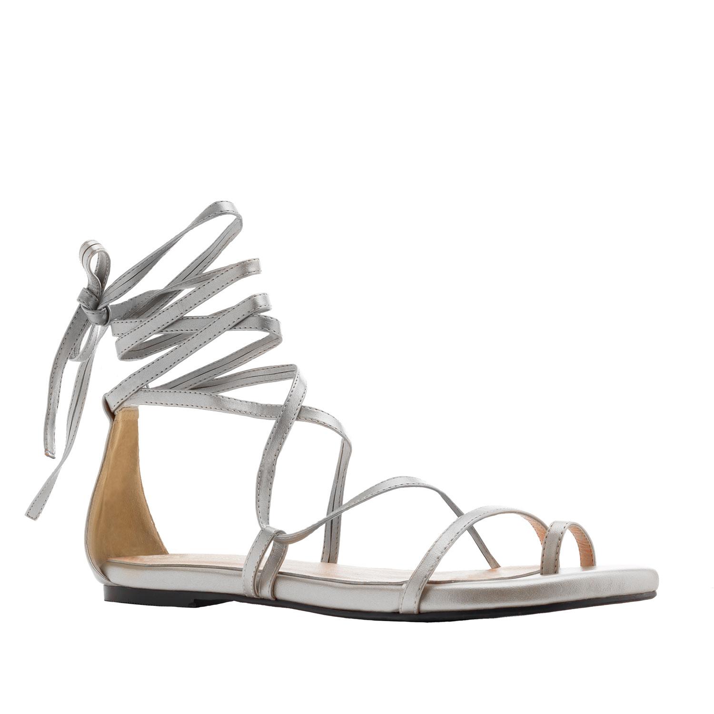 Hopeanväriset nilkkaremmi sandaalit