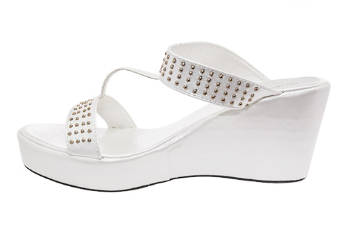 Elegantne papuče na platformu sa nitnama, bele