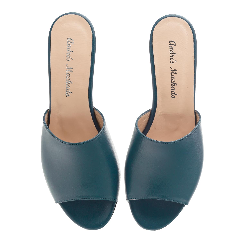 Kožené pantofle Mules. Modré marine.