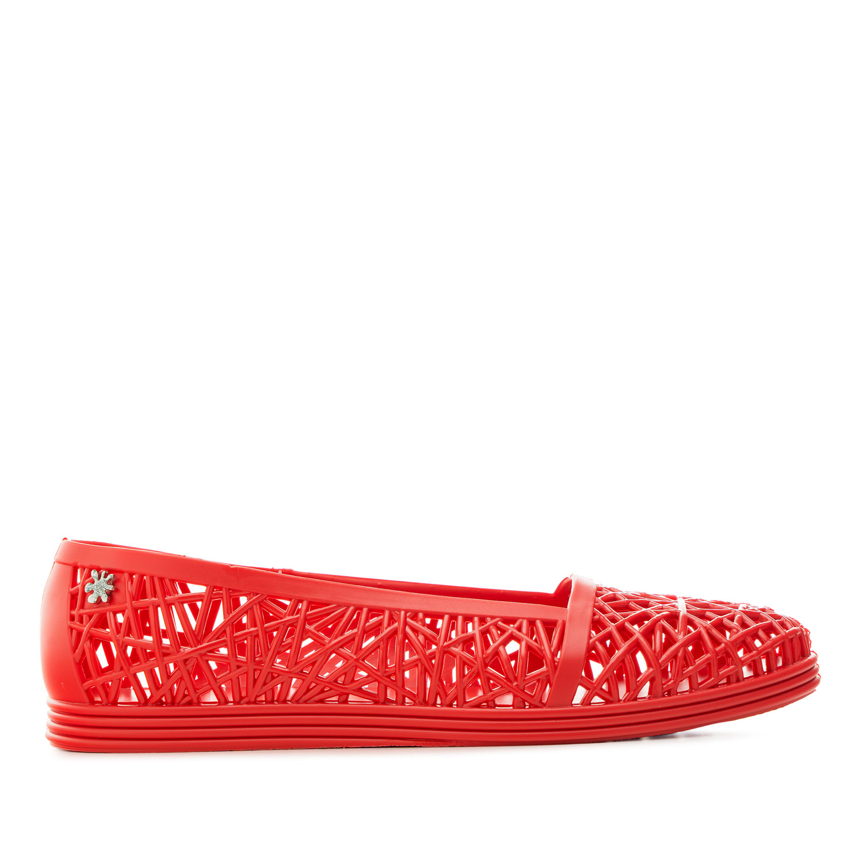 Umělohmotné letní baleríny, nazouváky. Červené.