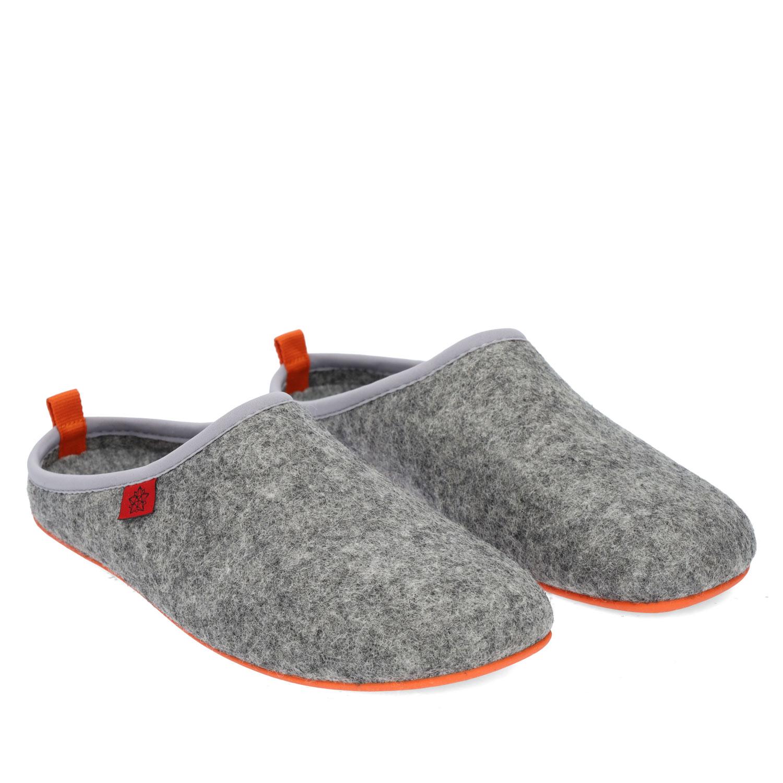 Pantofle Alpino ve stylu dřeváků. Šedá, oranžová podrážka.