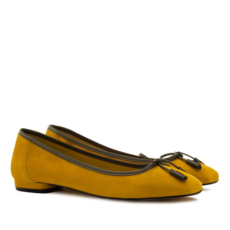 Kožené semišové lemované baleríny s mašlí. Hořčicová žlutá.