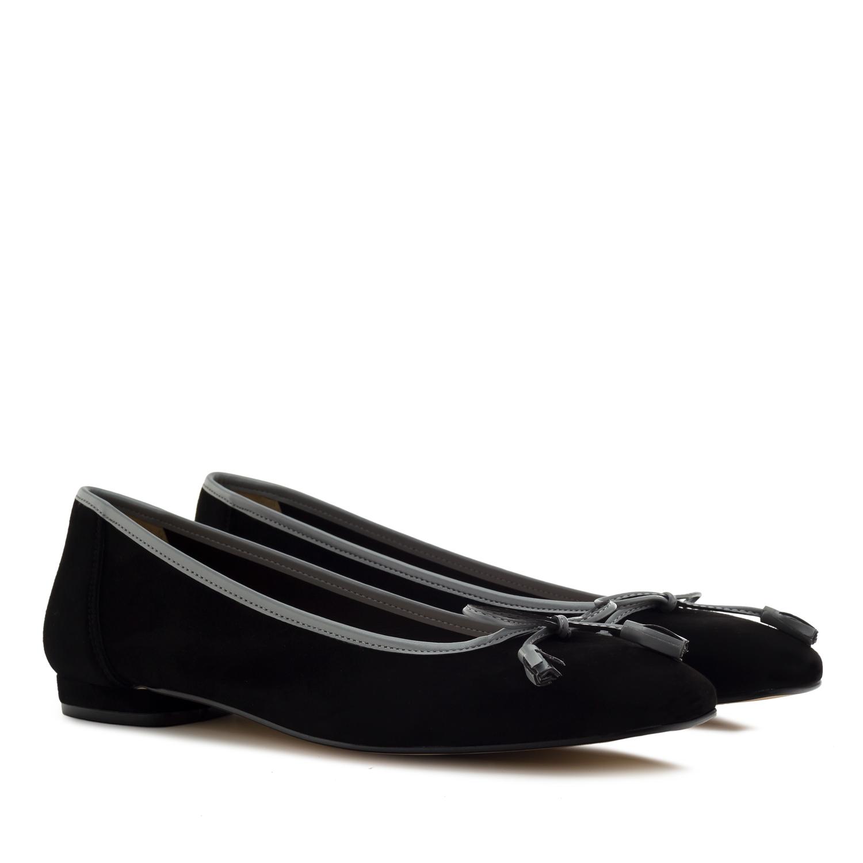 Baletanke od prevrnute kože sa mašnicom, crne