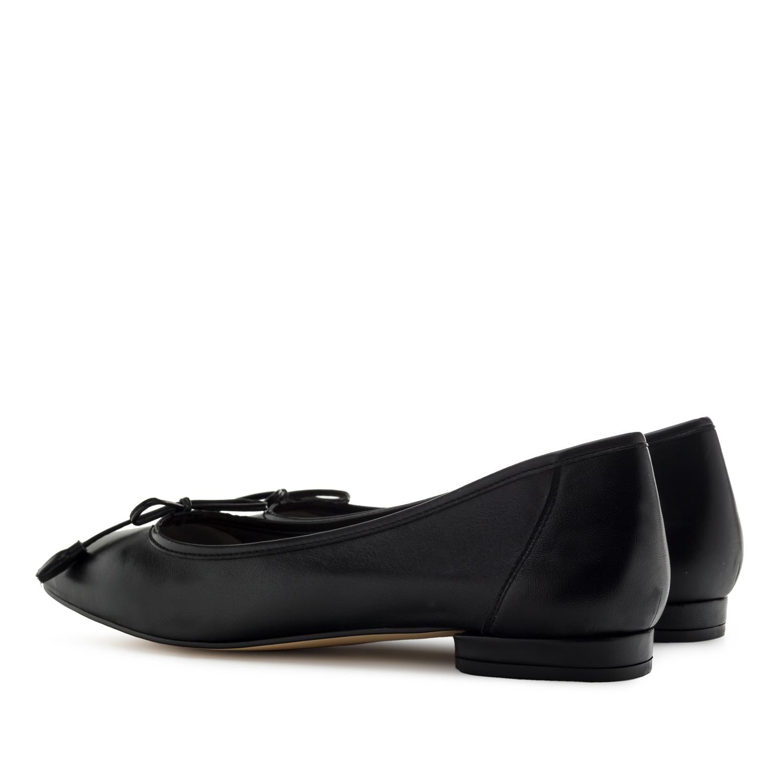 Ballerines en cuir couleur Noir avec Lacet